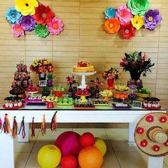 Festa Mexicana  By @poaencantado ¡FIESTA MEXICO! #partyday Em breve mais fotos dessa festa linda  Arribaaaaaa! #festasurpresa #festamexico #poaencantado #inspiresuafesta #bloginspiresuafesta #blogdefestasinfantis #festaadulto #mexico