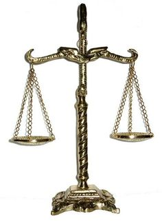 Balança Da Justiça - Deusa Da Justiça - Direito - Presente - R$ 119,99