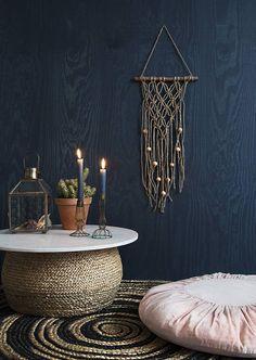 Macarame wanddecoraties zijn hip en hier online te koop in diverse uitvoeringen, maten en kleuren.
