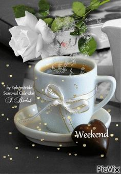 Good Morning Coffee Gif, Coffee Time, Happy Friendship Day, Good Morning Greetings, Day For Night, Happy Weekend, Chocolate, Tea Cups, Breakfast