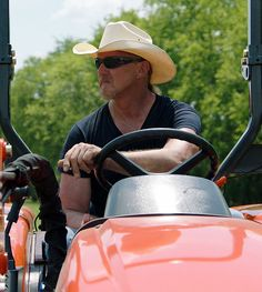 Trace Adkins | KIOTI Tractors and Trace Adkins
