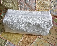 Hawaiian Quilts, Free Motion Quilting, Diaper Bag, Bed Pillows, Handbags, Embroidery, Sewing, Tote Bag, Scrappy Quilts