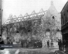 """""""The court-house, located in Thomas Court Bawn, was used as a church in the while St. Catherine's was being renovated, and later was used as a Sunday school. The building fell into decay in the latter half of the century and was demolished in Dublin Street, Dublin City, Ireland Pictures, Old Pictures, Old Time Photos, Photo Engraving, Dublin Ireland, Abandoned, Liberty"""