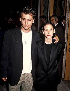 Winona Ryder in black blazer - Why Winona Ryder's looks are still o. Winona Ryder in black blazer - Why Winona Ryder's looks are Johnny Depp Winona Ryder, Young Johnny Depp, Winona Ryder Young, Winona Ryder Style, Winona Forever Tattoo, Looks Cool, Looks Style, Fashion Moda, 90s Fashion