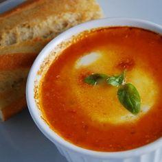 Tomato Basil Caprese Soup