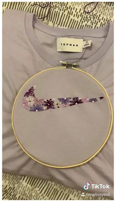 Diy Embroidery Shirt, Hand Embroidery Videos, Embroidery Stitches Tutorial, Embroidery On Clothes, Embroidery Flowers Pattern, Simple Embroidery, Hand Embroidery Designs, Embroidery With Beads, Embroidered Shirts