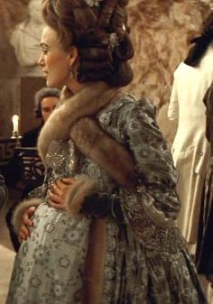 The Duchess Deep Dive: Maternity Party Dress Movie Costumes, Cool Costumes, Period Costumes, Maternity Gowns, Maternity Fashion, Pregnant Party Dress, The Duchess Of Devonshire, English Dress, Old School Fashion