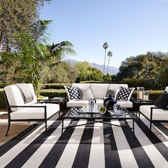 Patio Stripe Indoor/Outdoor Rug, Black