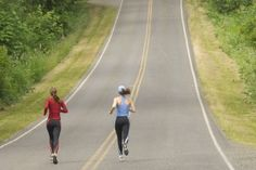 Running up and down hills - tips for success https://www.sports-fitness.co.uk/blog/helpful-tips-running-hills/