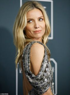 Critics' Choice Awards: Annabelle Wallis dazzles in a plunging silver sequin backless gown Hollywood Actresses, Actors & Actresses, Grace Burgess, Annabelle Wallis, Backless Gown, Best Supporting Actor, Woman Smile, Critics Choice, Choice Awards