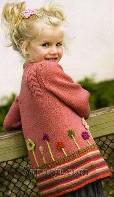 Жакет с косами и цветами для девочки