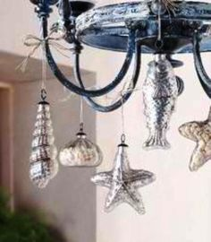 How about a few beachy accents in your   Christmas decor this year?     A Front Porch  Christmas Tree        Starfish, seashells, and c...