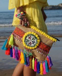fetichesuances Hippie Chic, Boho Chic, Pochette Diy, Moda Afro, Ethnic Bag, Diy Clutch, Potli Bags, Embroidery Bags, Boho Fashion