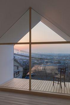 House in Japan. Apex window and glazing.  e: info@edite.co.uk w: www.edite.co.uk t: 0208 1337 446
