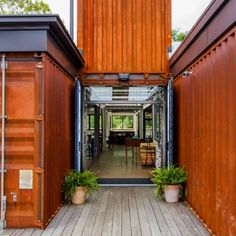 35 Stunning Container House Plans Design Ideas - Googodeco r Cargo Container Homes, Storage Container Homes, Building A Container Home, Container House Design, Container Bar, Container Architecture, Container Buildings, Shipping Container Restaurant, Shipping Container Home Designs