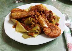 Γαρίδες με παπαρδέλες #cookpadgreece Meals, Chicken, Recipes, Food, Meal, Yemek, Yemek, Recipies, Eten