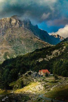 les montagnes de Tikjda - Algérie -
