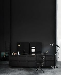 I want a black kitchen, infact i could actually paint my entire house black. Its so sleek