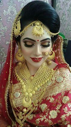 Fulfill a Wedding Tradition with Estate Bridal Jewelry Pakistani Bridal Makeup, Indian Wedding Makeup, Indian Wedding Bride, Pakistani Bridal Dresses, Indian Wedding Jewelry, Bridal Jewelry, Gold Jewelry, India Jewelry, Bridal Lehenga