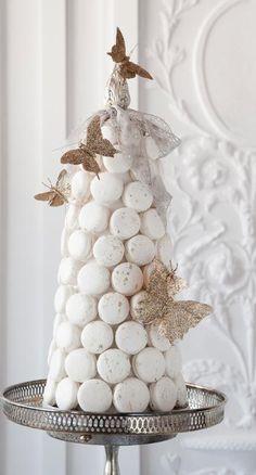 Ladurée macaron pyramid - perfect wedding surprise cake