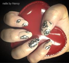 Color FX and design FX on virtual nails from Dashing Diva.