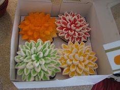Fall Mum Cupcakes ....marshmallows