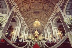 The Antique Baroque Charm of San Agustin Church (Manila, Philippines)