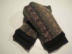 MMC0106 Evergreen & Berries Wool Mittens by MichMittensbyLauri, $23.00