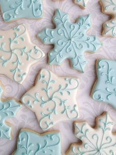 ***PLEASE READ ENTIRE DESCRIPTION BEFORE PLACING YOUR ORDER** This listing is for one dozen (12) delicious decorated cookies approximately 3. You will receive a mix of the stars and snowflakes. Baked to order with the finest, fresh ingredients and decorated with a delicious royal