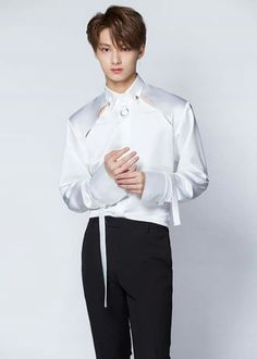 I would totally rock this outfit to school - or anywhere else! Woozi, Jeonghan, Seventeen Performance Team, Seventeen Debut, Seventeen Junhui, Vernon Chwe, Hip Hop, Choi Hansol, Wen Junhui