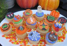 Adorable Halloween Cupcakes with lots of pictures showing how they were made!