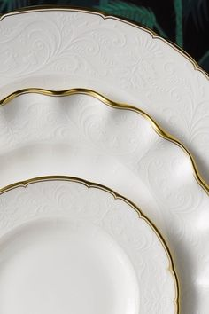 Raised white on white pattern creates a beautiful contemporary style, highlighted with gold to make a truly luxury piece. Our Darley Abbey Pure tableware surface pattern is perfectly white for any home.: