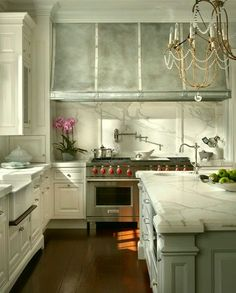 this layout and finish choices for a kitchen. found on Houzz ... on