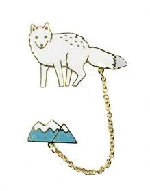Snow+Wolf+Brooch