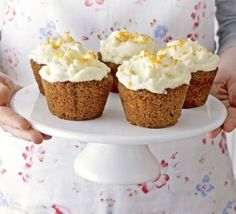 To make Carrot & cream cheese cupcakes is easy and quick.This crowd-pleasing recipe turns the ultimate afternoon-tea favourite into delightful cupcakes. Bbc Good Food Recipes, Healthy Recipes, Baking Recipes, Sweet Recipes, Carrot Recipes, Yummy Food, Carrot Cake Muffins, Carrot Cake Cupcakes, Cupcake Cakes