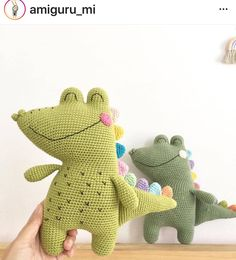 Croco Crocodile with his colorful spikes 🐊✨ The pattern is simple. Only two parts of the pattern need a little bit of attention, on the… Crochet Animal Patterns, Stuffed Animal Patterns, Crochet Patterns Amigurumi, Amigurumi Doll, Crochet Animals, Crochet Dolls, Crochet Dinosaur, Crochet Dragon, Cute Crochet