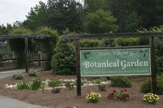Hart County Botanical Gardens has a beautiful wooded lot with lots of garden trails to explore. There is a pavilion on site that can seat 40-60, and set up area for caterer. #weddings #hartwell #Georgia #lakehartwell