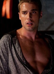"""Dustin Milligan from """"Shark Night 3D""""...bad movie, but he's hot!"""