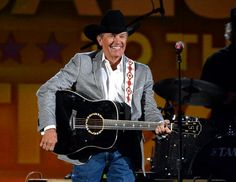 George Strait comes to Des Moines on Friday.