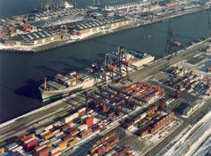De Europese Unie is de grootste exporteur en de grootste importeur ter wereld. De EU is verantwoordelijk voor bijna éénvijfde van de wereldhandel. Om hun handelsbelangen in de wereld te beschermen, werken de 28 lidstaten van de Europese Unie samen bij de handel met derde landen.