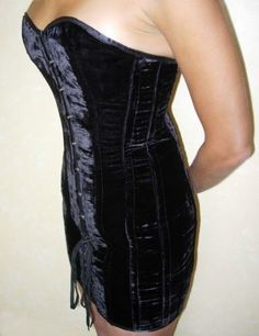 Veritable-ROBE-CORSET-VELOURS-NOIR-Goth-Burlesque-Sexy