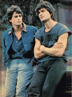 Rob Lowe and Patrick Swayze - - - The Outsiders, an excellent movie with insight into life as a teen in the Rob Lowe, Patrick Swayze, Dirty Dancing, Die Outsider, Brat Pack, Image Film, Darry, Raining Men, Cute Guys