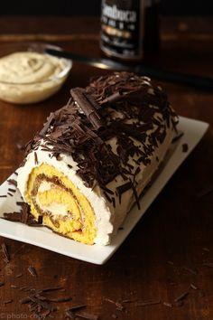 *Tiramisu-Filling Roll Cake