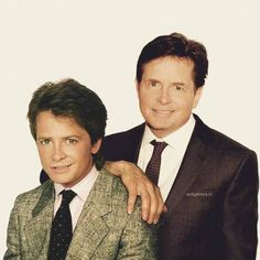 Will Smith, Tom Cruise, Johnny Depp, George Clooney, and Barack Obama are just some of the celebrities hanging out next to their younger version Celebrities Then And Now, Young Celebrities, Celebs, Best Movie Actors, Michael J. Fox, J Fox, Le Double, Young Old, Marty Mcfly