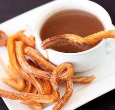 Chocolate con churros paso a paso, un desayuno típico español