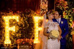 Fê e Fê com a linda decoração da @decora_belem #fotografia #fabriciosousa #casamento #decoracao #fernanda #fernando #destinationwedding #estacaodasdocas #decorabelem