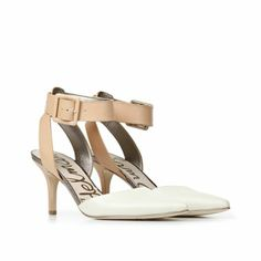 How fantastic is this two-tone colourblocked heel for Spring? We love the neutral combination of ivory & blush - so versatile!   Available now at http://www.sossaveoursoles.ca/product/sam-edelman-okala-ivory