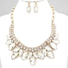 MARQUISE CRYSTAL CLUSTER NECKLACE SET $50 Price Includes Earrings ---------- #WeddingJewelry #EastCoastOccasions #TheWeddingBoutique #Affordable #Timeless #Elegant #WeddingParty #Bridesmaids #BridalCollection #ElegantNecklace #BridalNecklace#BridesmaidsNecklace #Necklace #WeddingGuests #BridalJewelry EastCoastOccasions.com