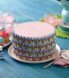 Vibrant Petals Cake - also looks like knitting! Cake Decorating Classes, Easy Cake Decorating, Cake Decorating Techniques, Cake Decorating Tutorials, Decorating Ideas, Fancy Cakes, Cute Cakes, Pretty Cakes, Beautiful Cakes