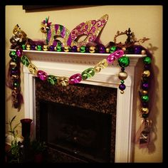 I have some of those cheap masks from the dollar store … I wonder if I could imagine … - Mardi Gras Decorations Mardi Gras Wreath, Mardi Gras Decorations, Masquerade Decorations, Masquerade Ball, Mardi Gras Carnival, Mardi Gras Party, Mardi Grad, Barbie Party
